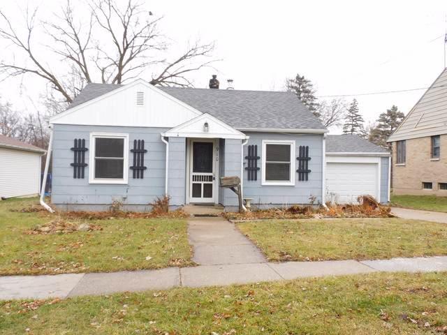 910 Grover Street, Belvidere, IL 61008 (MLS #10589537) :: The Dena Furlow Team - Keller Williams Realty