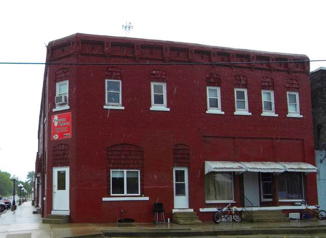 102 Center Street, Colfax, IL 61728 (MLS #10589943) :: Property Consultants Realty