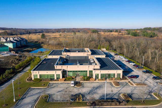 300 Cardinal Drive, St. Charles, IL 60175 (MLS #10590037) :: The Dena Furlow Team - Keller Williams Realty