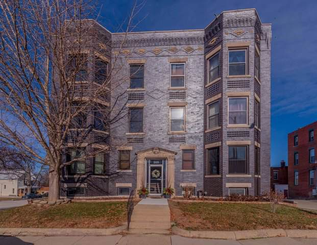 305 W Monroe Street W #4, Bloomington, IL 61701 (MLS #10590458) :: Property Consultants Realty