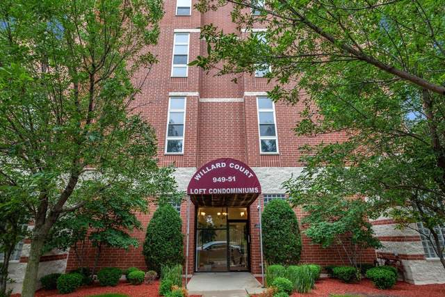 949 N Willard Court #203, Chicago, IL 60642 (MLS #10592402) :: Property Consultants Realty