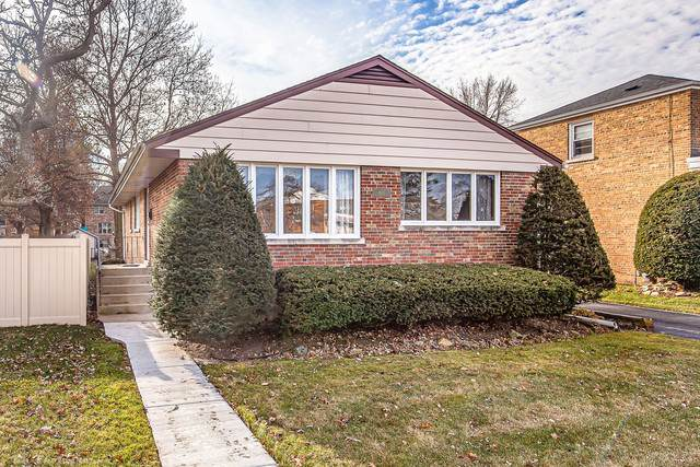 4623 W 97th Place, Oak Lawn, IL 60453 (MLS #10592439) :: Baz Realty Network | Keller Williams Elite