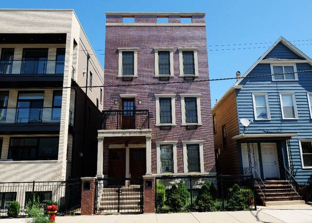 3031 N Clybourn Avenue, Chicago, IL 60618 (MLS #10594987) :: Touchstone Group