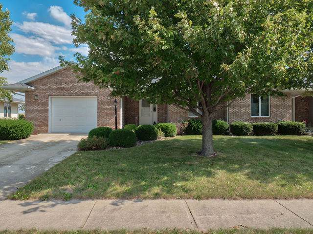 715 Kingwood Drive, El Paso, IL 61738 (MLS #10596864) :: Baz Realty Network | Keller Williams Elite