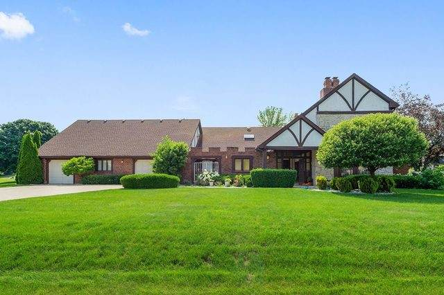 8420 Cessna Lane, Downers Grove, IL 60516 (MLS #10597671) :: Century 21 Affiliated