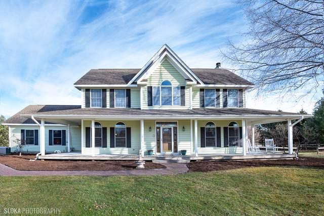2908 Oak Ridge Road, Crystal Lake, IL 60012 (MLS #10598195) :: Lewke Partners
