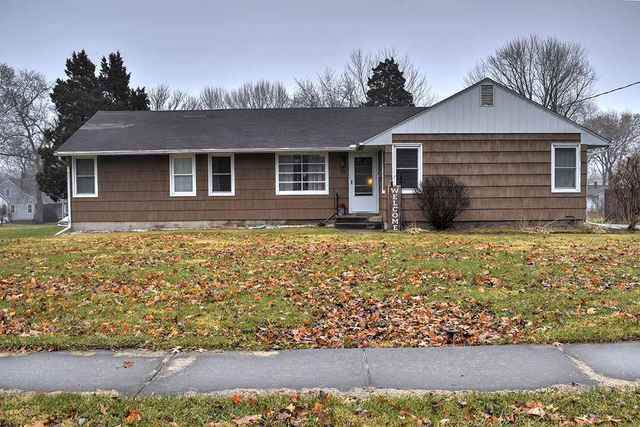 701 S 7TH Street, Oregon, IL 61061 (MLS #10599318) :: Angela Walker Homes Real Estate Group