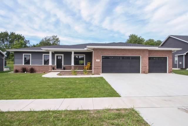 2904 Binghamton Lane, Bloomington, IL 61705 (MLS #10601040) :: Berkshire Hathaway HomeServices Snyder Real Estate