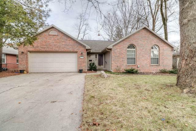 1904 S Vine Street, Urbana, IL 61801 (MLS #10604116) :: Ryan Dallas Real Estate