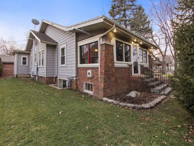 1215 E Oakland Avenue, Bloomington, IL 61701 (MLS #10605449) :: Property Consultants Realty