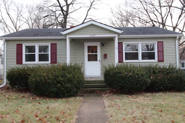 1209 E Grove Street, Bloomington, IL 61701 (MLS #10606638) :: Berkshire Hathaway HomeServices Snyder Real Estate