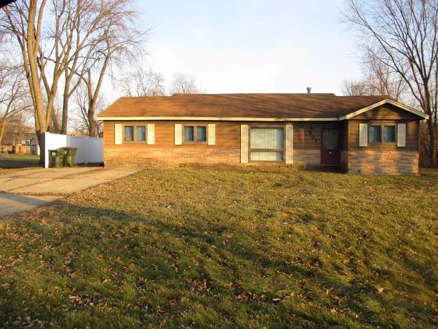 805 Basswood Street, Hoffman Estates, IL 60169 (MLS #10609389) :: Angela Walker Homes Real Estate Group