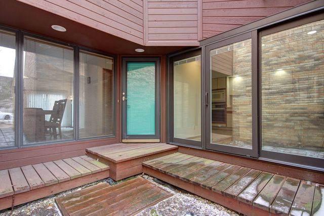 1 Lyndhurst Village Court B, Savoy, IL 61874 (MLS #10609567) :: Ryan Dallas Real Estate