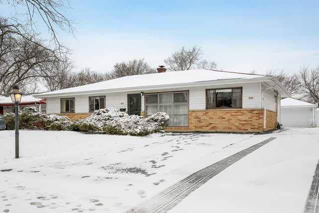 550 Kingman Lane, Hoffman Estates, IL 60169 (MLS #10609877) :: Angela Walker Homes Real Estate Group
