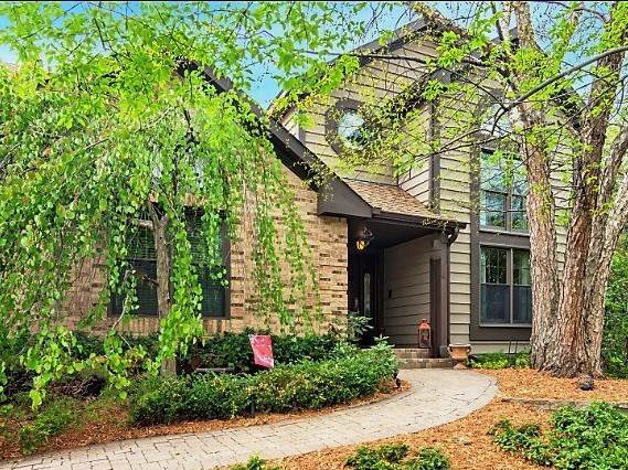 2451 E Walden Lane, Arlington Heights, IL 60004 (MLS #10610672) :: Angela Walker Homes Real Estate Group