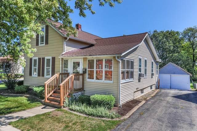 111 S Oak Avenue, Bartlett, IL 60103 (MLS #10611102) :: Angela Walker Homes Real Estate Group