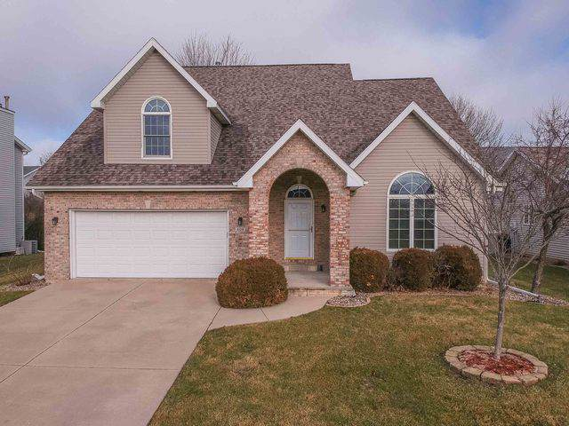 404 Plumage Court, Normal, IL 61761 (MLS #10611228) :: Berkshire Hathaway HomeServices Snyder Real Estate