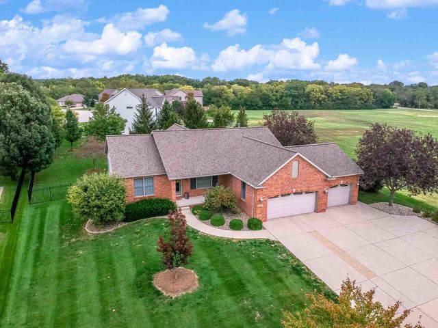 2807 Fox Creek Road, Bloomington, IL 61704 (MLS #10611829) :: Janet Jurich