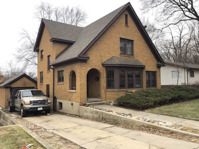 661 Eastview Street, Elgin, IL 60120 (MLS #10612231) :: Century 21 Affiliated