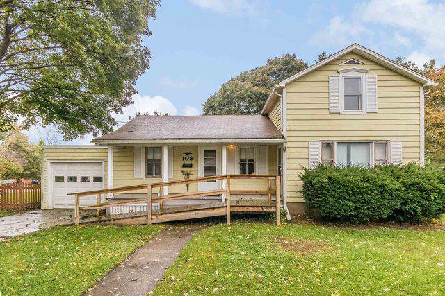 108 Barrington Avenue, East Dundee, IL 60118 (MLS #10612449) :: Baz Realty Network | Keller Williams Elite
