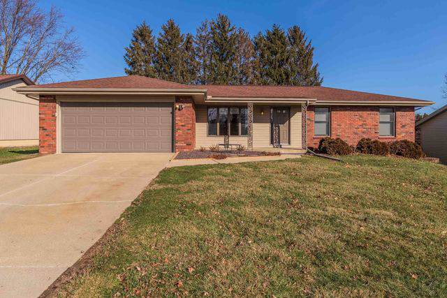 306 Raleigh Court, Normal, IL 61761 (MLS #10612863) :: The Perotti Group | Compass Real Estate