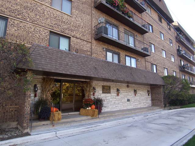 960 S Des Plaines River Road #311, Des Plaines, IL 60016 (MLS #10613459) :: Property Consultants Realty