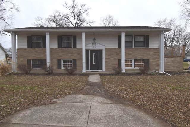1 W Manor Drive, Pontiac, IL 61764 (MLS #10613558) :: Angela Walker Homes Real Estate Group