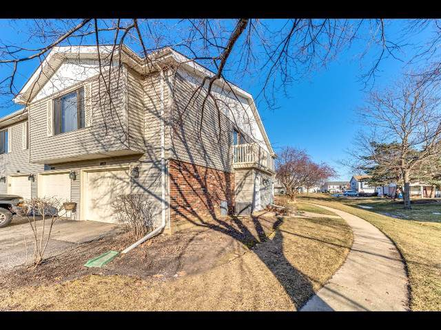 402 Buchanan Court #0, Vernon Hills, IL 60061 (MLS #10613928) :: Touchstone Group
