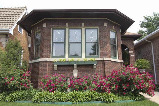 1821 N New England Avenue, Chicago, IL 60707 (MLS #10614422) :: Janet Jurich