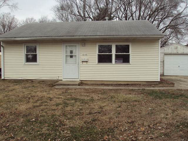 1049 Bel Aire Drive, Rantoul, IL 61866 (MLS #10615381) :: Property Consultants Realty
