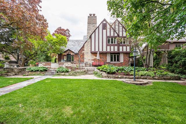 815 The Pines, Hinsdale, IL 60521 (MLS #10615668) :: Property Consultants Realty