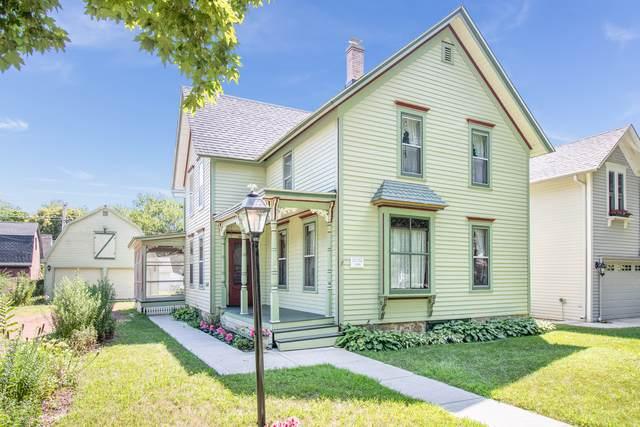 407 Liberty Street, West Dundee, IL 60118 (MLS #10615934) :: John Lyons Real Estate
