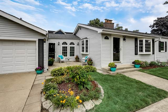 300 Nordica Avenue, Glenview, IL 60025 (MLS #10616742) :: Berkshire Hathaway HomeServices Snyder Real Estate