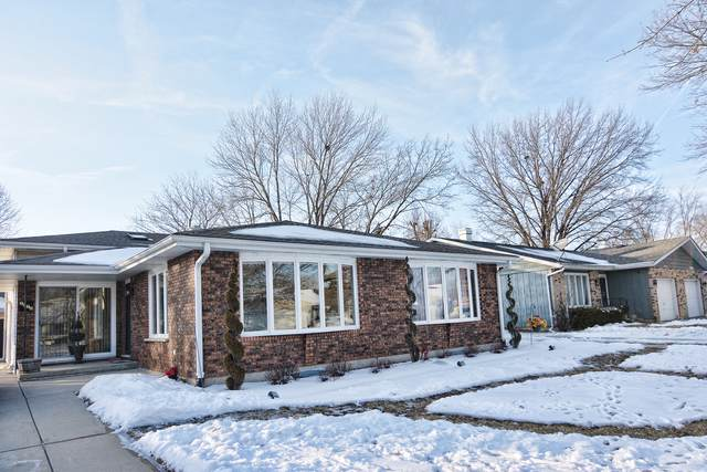 1070-1072 Hiawatha Drive, Elgin, IL 60120 (MLS #10617794) :: Suburban Life Realty