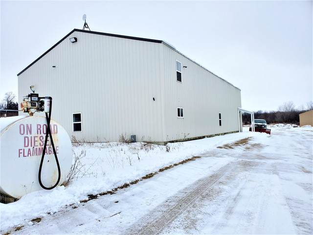4533 Lily Creek Road, Freeport, IL 61063 (MLS #10617938) :: The Perotti Group | Compass Real Estate