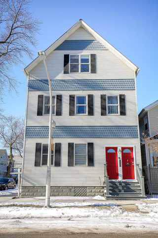3000 N Hoyne Avenue #2, Chicago, IL 60618 (MLS #10618027) :: Property Consultants Realty