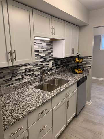 2275 Country Club Drive #3, Woodridge, IL 60517 (MLS #10618359) :: Angela Walker Homes Real Estate Group