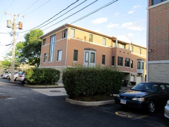 3810 W Devon Avenue, Lincolnwood, IL 60712 (MLS #10618901) :: Berkshire Hathaway HomeServices Snyder Real Estate