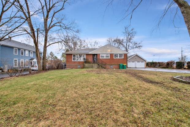 881 Vera Lane, Wheeling, IL 60090 (MLS #10619418) :: The Mattz Mega Group