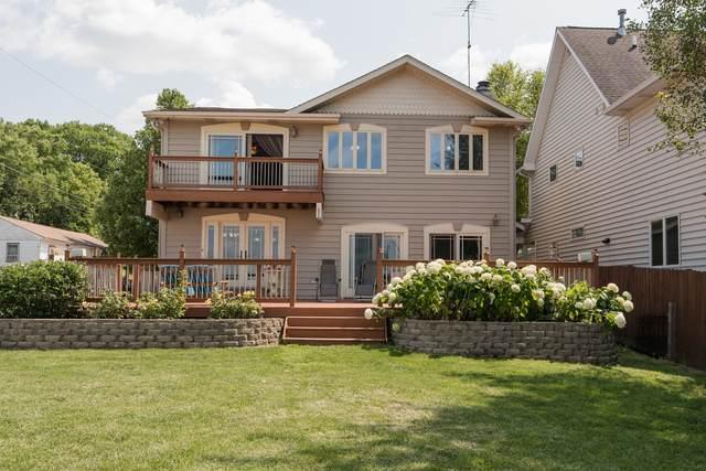 4 N Maple Avenue, Fox Lake, IL 60020 (MLS #10619770) :: Baz Network | Keller Williams Elite