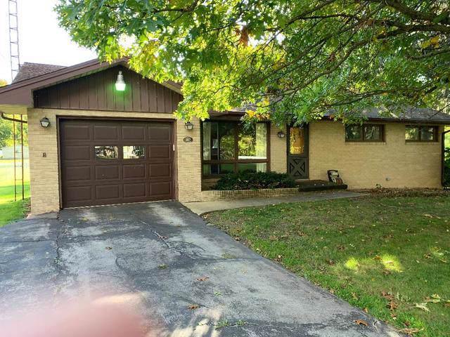 207 N Broadway Street, Hudson, IL 61748 (MLS #10620859) :: BN Homes Group