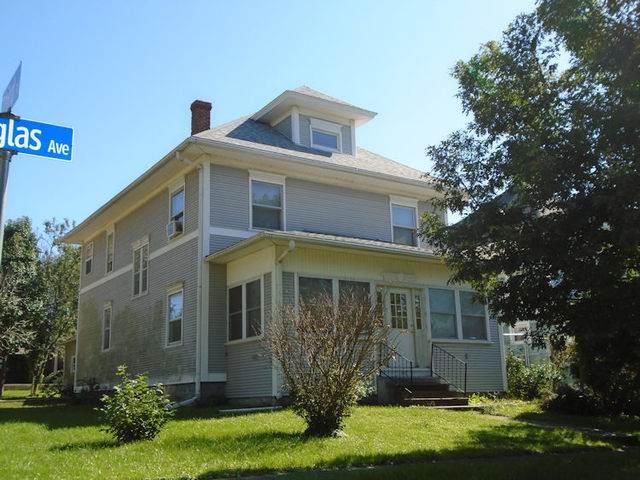 812 Douglas Avenue, Ashton, IL 61006 (MLS #10620895) :: Angela Walker Homes Real Estate Group