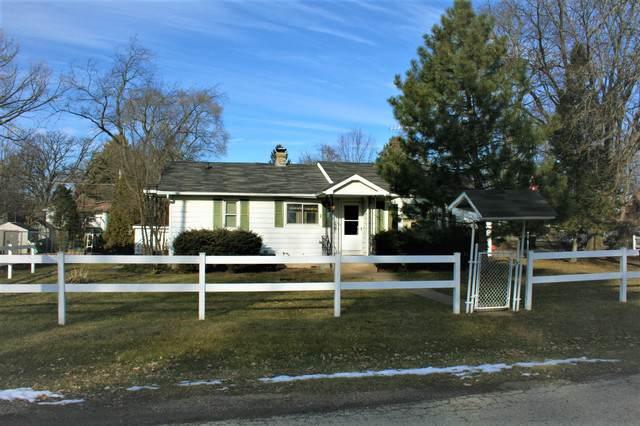 3511 W Lake Shore Drive, Wonder Lake, IL 60097 (MLS #10622546) :: Lewke Partners