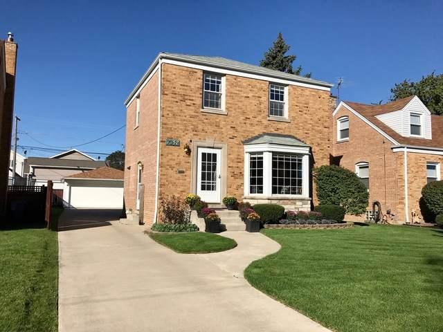 7352 N Olcott Avenue, Chicago, IL 60631 (MLS #10626615) :: Helen Oliveri Real Estate