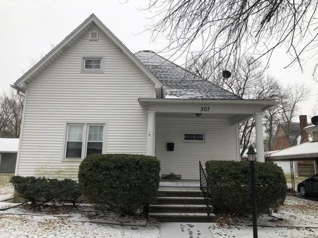 307 E Daggy Street, Tuscola, IL 61953 (MLS #10629648) :: Littlefield Group