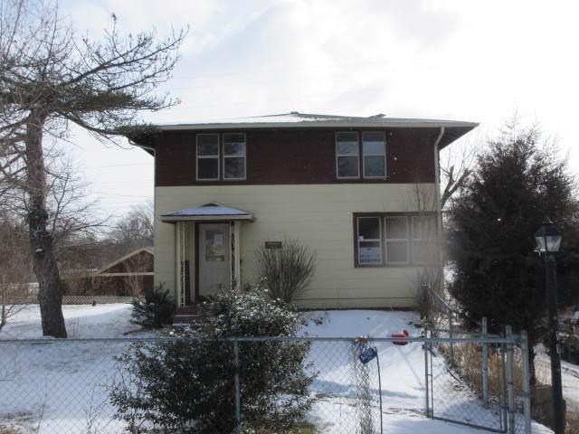 13 W Hawthorne Drive, Round Lake Beach, IL 60073 (MLS #10630508) :: Ryan Dallas Real Estate