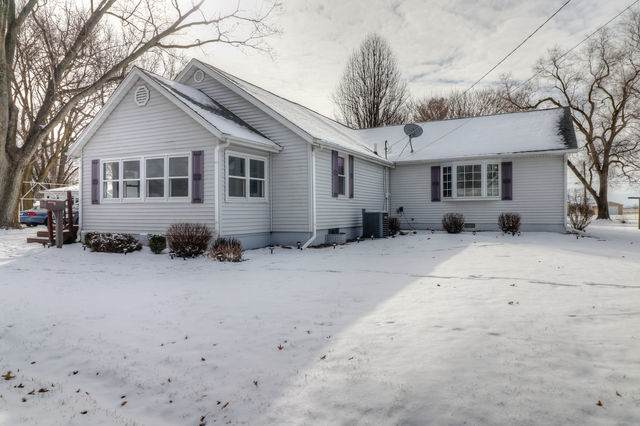 803 W Bond Street, MONTICELLO, IL 61856 (MLS #10632415) :: Ryan Dallas Real Estate