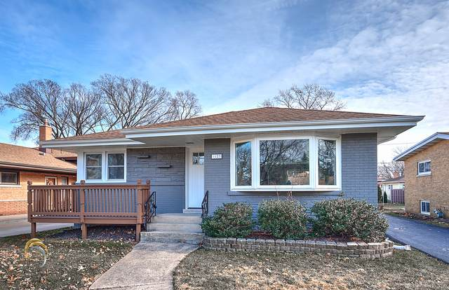1123 Meadowcrest Road, La Grange Park, IL 60526 (MLS #10634813) :: John Lyons Real Estate