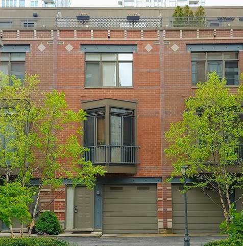 310 N Clinton Street D, Chicago, IL 60661 (MLS #10635280) :: Helen Oliveri Real Estate