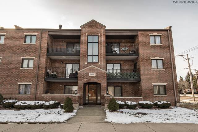 7955 W 90th Street 2B, Hickory Hills, IL 60457 (MLS #10635363) :: The Wexler Group at Keller Williams Preferred Realty